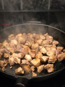 Karjalanpaisti chili con carneen