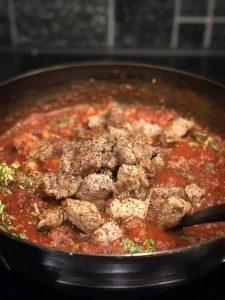 Karjalanpaistilihat Chili Con Carneen