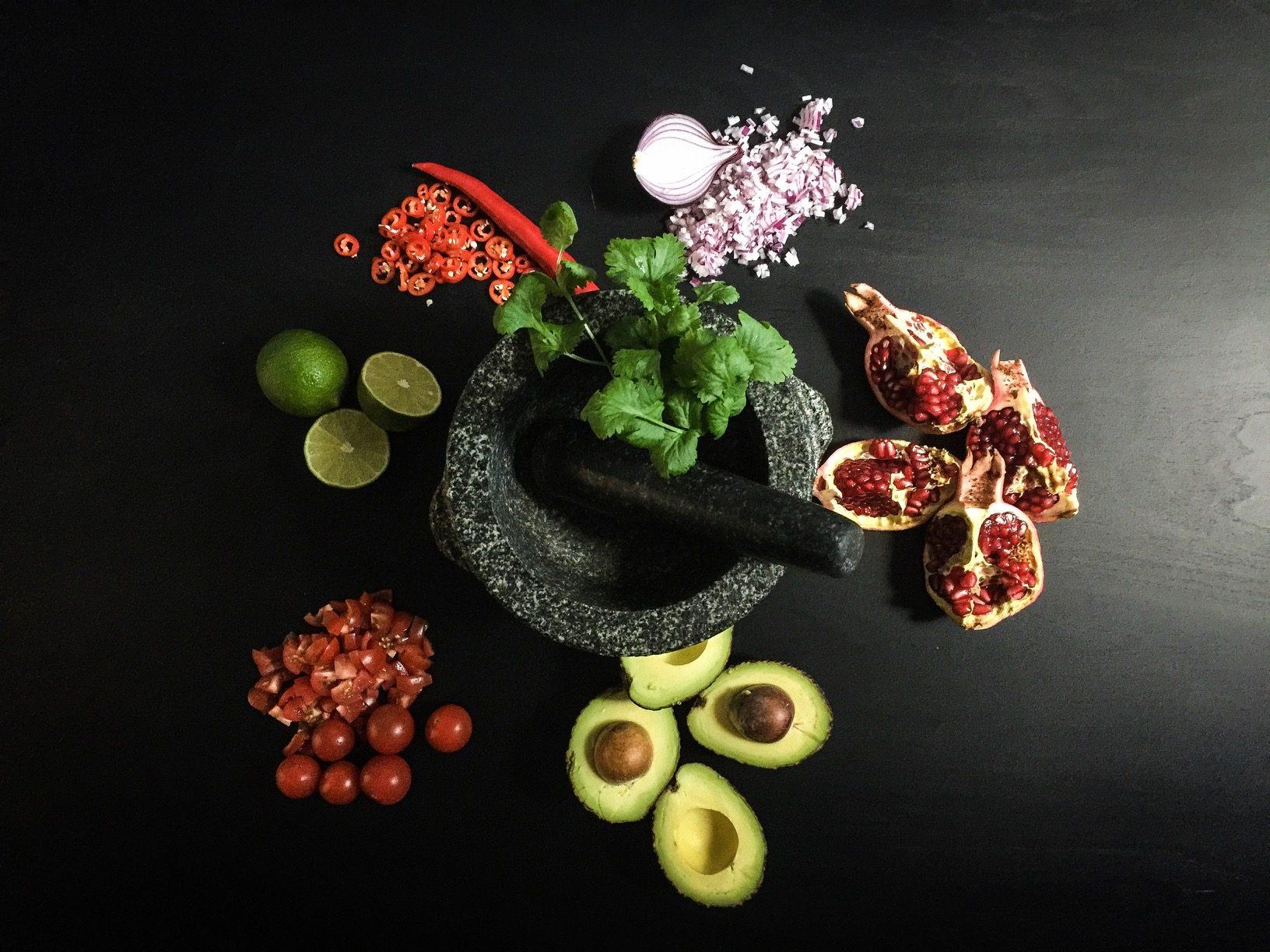 Raikkaan guacamolen ainekset
