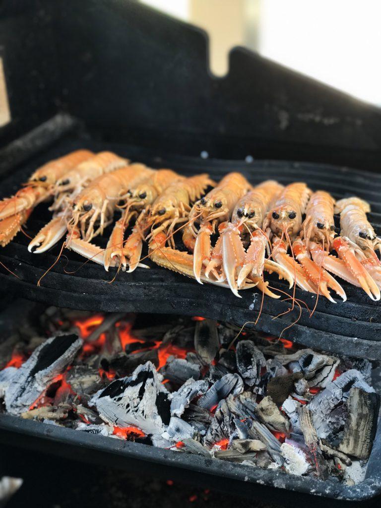 Ravut seafood paellaan